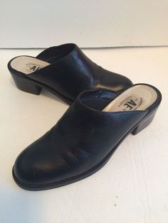 BLACK Solid Leather AMERICAN EAGLE OUTFITTERS Mules Clog HEELS 7 B #AmericanEagleOutfitters #Mules #Casual