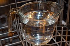 Cleaning dishwasher with vinegar