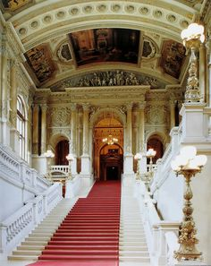 villa del rosie: Burgtheater, Viena hadrian6: