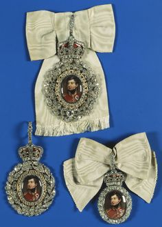 Royal Family Order of George IV. This order originally belonged to George IV's sister Charlotte, Queen of Württemberg, circa 1820 - Charlotte willed it to Princess Victoria, later Queen Victoria, who left it to the Crown. Casa Real, Royal Tiaras, Tiaras And Crowns, Princess Victoria, Queen Victoria, Duchess Kate, Duchess Of Cambridge, King George Iv, British Crown Jewels