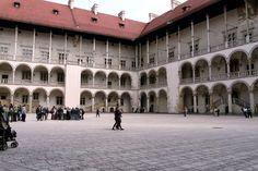 Ekskursijos - Ekskursijos po Krokuvą Gidas po Krokuvą. Royal Castle