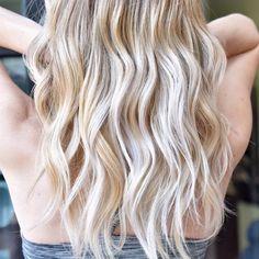 Icy Blonde Balayage. #balayage #haircolor #blondebalayage #balaygedenver #icyblonde #denver #denverart #denvergirl #denverfashion #smartbond #hairbynatalia #denverhairstylist #denverhair #balayagespecialist #modernsalon #americansalon (at Hair by...