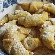 Egy finom Hókifli III. ebédre vagy vacsorára? Hókifli III. Receptek a Mindmegette.hu Recept gyűjteményében! Pretzel Bites, Potatoes, Bread, Chicken, Vegetables, Food, Potato, Brot, Essen