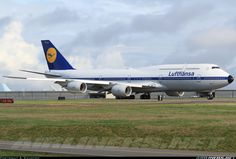 A retro look for Lufthansa's latest 747-8i - Washington