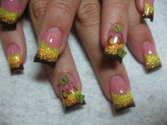 Glitter party nails art