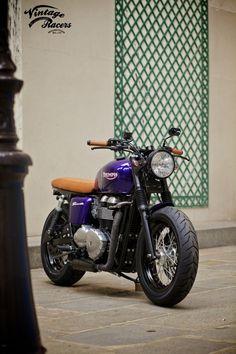 Triumph Bonneville http://roaringbikes.tumblr.com/