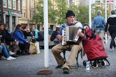 What does it mean to dream of seeing an accordion? Are you a musician? Read this dream dictionary to interpret the meaning of the accordion. Free Pictures, Free Images, Accordion Music, Dream Dictionary, Dream Meanings, Beautiful Songs, Art Challenge, Happy Moments, Single Women