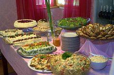 Rippijuhlatarjoilut – Hellapoliisi Sandwich Cake, Sandwiches, Finland Food, Antipasto, Finger Foods, Avocado Toast, Guacamole, Party Time, Buffet