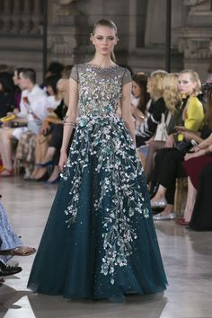 Georges Hobeika Haute Couture Fall Winter 2016-17 Paris