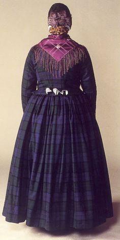 FolkCostumeEmbroidery: Costume of Rømø, Denmark