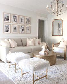 Cream Living Rooms, Living Room Sofa, Home Living Room, Apartment Living, Living Room Designs, Cream And White Living Room, White Rooms, Elegant Living Room, Elegant Home Decor