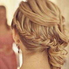 Coque lateral...o penteado queridinho das festas! | Guia Tudo Festa - Blog de Festas - dicas e ideias!