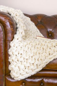 Arm Knit Blanket Tutorial