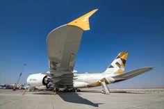 Así luce elviaje abordo del avión más lujoso del mundo-El sueño de muchos de viajar a algún lado acostado cómodamente en una cama puede volverse realidad. La aerolínea Etihad Airways avanzó en este aspecto y creó a bordo de un A380 algunos departamentos.