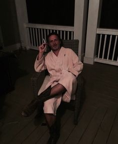 Andrew Lincoln on the Set of The Walking Dead Season 6 Walking Dead Tv Show, Walking Dead Memes, Fear The Walking Dead, Z Nation, Andrew Lincoln, Ricky Dicky, Macho Alfa, Stuff And Thangs, Daryl Dixon
