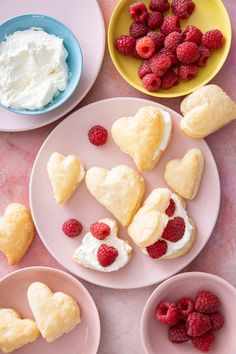 Puff Pastry Berry Hearts Heart Shaped Cookies, Valentines Day Desserts, Homemade Whipped Cream, Time To Eat, Diy Cake, Eat Dessert First, Recipe Of The Day, Sweet Treats, Berries