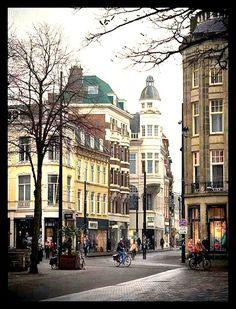 Den Haag - Buitenhof met gezicht op de hoek Kettingstraat en Gravenstraat
