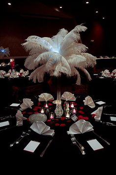 red+white+black+c+e+nter+piece+ideas | Ostrich Feater Centerpieces « Weddingbee Gallery