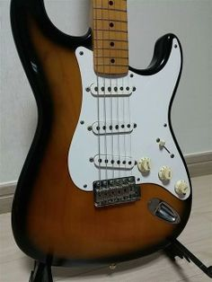 Fender Japan 57 Reissue Stratocster | 7.4jt