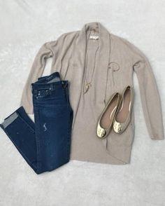 Neutral cardigan; Tory burch flats; fall fashion; women's fashion; fall look; skinny jeans