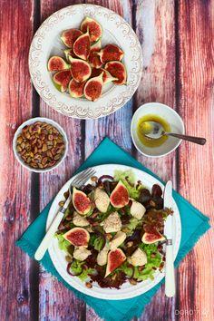 #przepis na pyszną sałatkę: #kurczak, pistacje i #figi.  http://dorota.in/salatka-z-kurczakiem-i-pistacjami/  #salatka #kuchnia