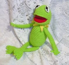 PDF Kermit the frog - 14 inches / 35 cm amigurumi doll crochet pattern (available in Spanish and English)