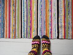 Keltainen kahvipannu: Miksi juuri tämä talo? Scandinavian Style, Old Houses, Color Inspiration, Pattern Design, Weaving, Rag Rugs, Quilts, House Styles, Finland