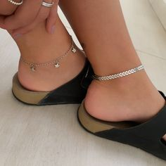 Ankle Jewelry, Dainty Jewelry, Cute Jewelry, Jewelry Accessories, Fashion Accessories, Anklet Bracelet, Anklets, Accesorios Casual, Cute Ear Piercings