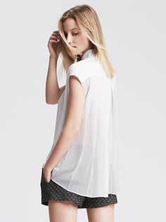 Crepe Pleat-Back Top Product Image