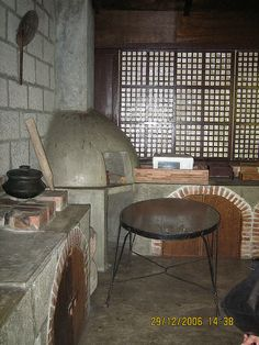 Spanish Colonial Homes, Spanish Style Homes, Kerala House Design, Small House Design, Traditional Kitchen, Traditional House, Filipino Interior Design, Filipino House, Philippines House Design