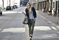 I love this outfit. Casual and cool with balenciaga bag and army pants