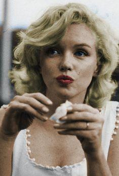 .Marilyn Monroe.