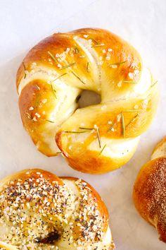 If a pretzel and a bagel were to make a delicious love child, this might be it. What would we call such a thing? A Pregel? A Batzel? Just a soft pretzel in a different shape? Baked Pretzels, Pretzels Recipe, Soft Pretzels, Pretzel Dough, Instant Yeast, Garlic Parmesan, Looks Yummy, Pretty Cakes, Air Fryer Recipes