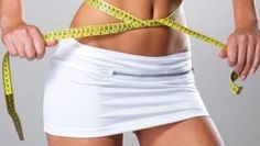 O femeie din SUA care a mâncat hrean cu lămâie timp de trei săptămâni a avut parte de rezultate uimitoare. Fără să țină vreo dietă sau să facă sport, americanca a reuşit să dea jos kilogramele în plus fără să se abţină de la alte feluri de mâncare.  Exemplul ei a fost urmat și de alte femei care a