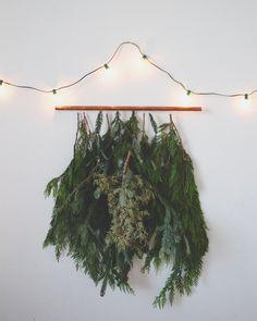 DIY Holiday Wall Hanging  //  FOXTAIL + MOSS