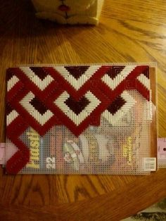 Chic material for needlework. Chic material for needlework. Plastic Canvas Stitches, Plastic Canvas Crafts, Plastic Canvas Patterns, Broderie Bargello, Bargello Needlepoint, Palacio Bargello, Bargello Patterns, Crochet Bag Tutorials, Free Crochet Bag