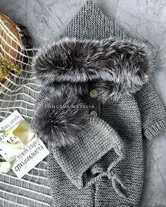 """КОМБИНЕЗОН🐾КАРДИГАН🐾ШАПКИ on Instagram: """"Меха много не бывает 🔥 ▫️ Утепляю крошек. С головы до ножек. Улетел комплектиk в Латвию. Потихоньку география растёт и все больше пупсиков…"""" Knitting Baby Girl, Knitting For Kids, Crochet For Kids, Crochet Yarn, Crochet Stitches, Crochet Patterns, Baby Staff, Crochet Storage, Baby Jumper"""