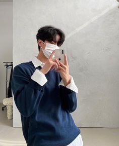 Korean Fashion Men, Korean Street Fashion, Boy Fashion, Outfits For Teenage Guys, Boy Outfits, Korean Boys Hot, Korean Men, Korean Boy Hairstyle, Outfit Meaning