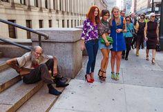 Diego Cugia - New York è la capitale delle contraddizioni ... Per correggere l'idea che molti hanno di NY, per vederla come veramente è. Troppe volte vedo parlare di NY come fosse il luogo di sogno in cui tutti vorrebbero vivere, ma come ogni cosa, ha tanti aspetti da considerare.  #DiegoCugia, #NewYork, #opposti, #homeless, #odori, #subway, #metropolitana, #liosite, #citazioniItaliane, #frasibelle, #sensodellavita, #ItalianQuotes, #perledisaggezza, #perledacondividere, #citazioni,