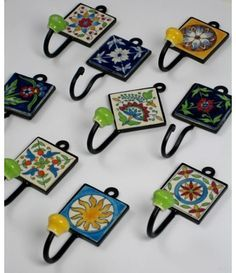 Tile Crafts, Mosaic Crafts, Mosaic Projects, Diy Home Crafts, Mosaic Art, Arts And Crafts, Ceramic Painting, Ceramic Art, Small Canvas Paintings