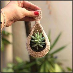 115 classic yet simple diy crochet ideas – Macrame Crochet Diy, Crochet Home, Crochet Ideas, Simple Crochet, Macrame Art, Macrame Design, Macrame Projects, Diy Macramé Suspension, Crochet Plant Hanger