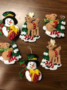 Christmas Village Display, Christmas Tree Themes, Christmas Wreaths, Christmas Ornaments, Holiday Decor, Christmas Stocking Kits, Christmas Stockings, Xmas, Handmade Ornaments