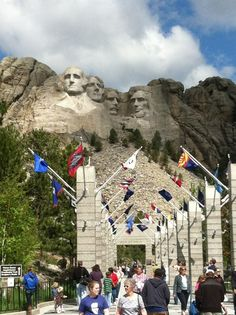 When visiting Mount Rushmore National Park in South Dakota, be sure to stop by Carver's Cafe, a Certified Green Restaurant. Also you can pick up some souvenirs to take home at the Fred Harvey Trading Company gift shop. Mount Rushmore National Park, Places To Travel, Places To See, Statues, Family Road Trips, Beautiful Places To Visit, Places Around The World, Travel Usa, Wonders Of The World