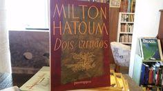 """Publicado em 2000, """"Dois Irmãos"""" (Companhia das Letras), rompeu o silêncio de 11 anos que o amazonense Milton Hatoum vinha mantendo desde o seu primeiro romance.   A trama, que gira em torno da tumultuada relação entre dois irmãos gêmeos de origem libanesa, Yaqub e Omar, com a mãe, o pai e a irmã."""