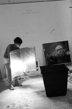 Fichamos a Paula Rubio Infante, artista madrileña autora de una obra interdisciplinar y comprometida con la realidad