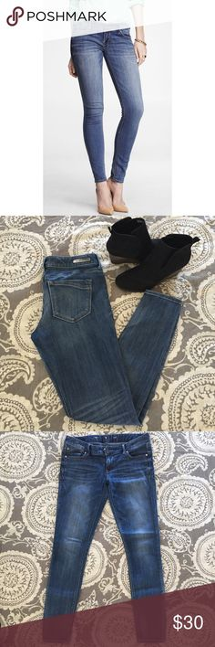 """express jeggings Awesome Express Stella Jean Leggings. Great condition!! Only real issue is the letter on the inside of the jeans/tag is starting to fade/peel off. This has zero effect on the look or style of these amazing jean leggings.   Size 8 Regular 29.5"""" inseam Express Jeans Skinny"""