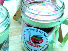Mason Jar Cupcakes at http://thedessertchronicles.com