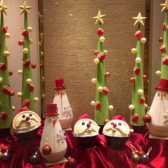 There is no shortage of Santas here! - at Island Shangri-La, #HongKong #ShangriLaLaLa