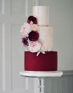 Wedding Cake Inspiration - Cotton & Crumbs - MODwedding - Very Sweet Wedding - Wedding Summer Elegant Wedding Cakes, Beautiful Wedding Cakes, Wedding Cake Designs, Beautiful Cakes, Dream Wedding, Cake Wedding, Wedding Gold, Elegant Cakes, Dessert Wedding