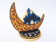 Ramadan Cookie Table Centerpiece www.dawanda.com/shop/QCookies www.facebook.com/QueensCookies  Ramadan 2014, Fasten, Deco, Moon, Stars, Mosque Eid Hampers, Coaching, Eid Crafts, Cookie Table, Drawing Conclusions, Rubber Flooring, Practical Gifts, Unusual Gifts, Software Development